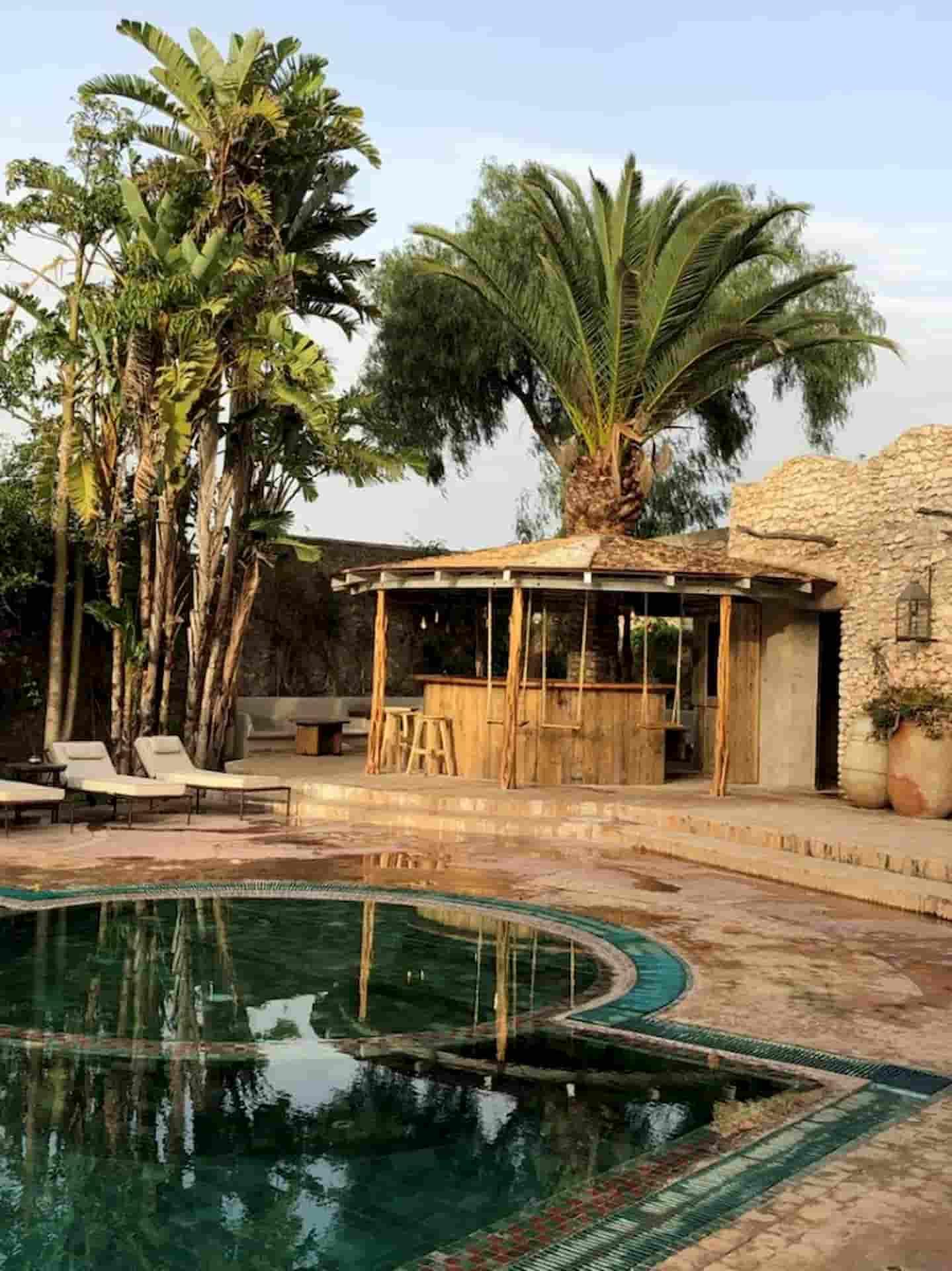 Aménagement terrasse piscine Hôtel